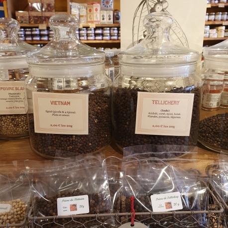 Poivres en grains Vietnam et Tellichery