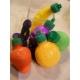 Poudre acidulée dans petits fruits en plastique