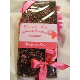 Tablette de chocolat noir rose